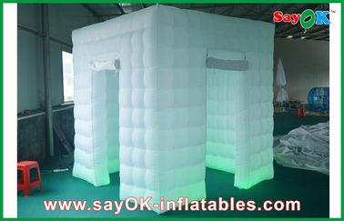 China 2 color inflable de la luz 2.4m de la cabina LED de la foto de las puertas cambiado con el ventilador proveedor
