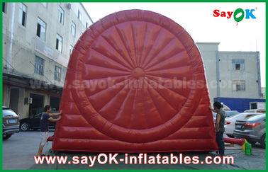 Juegos inflables rojos divertidos de los deportes/tablero de dardo inflable durable del fútbol del PVC Tarpulin
