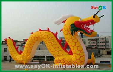 Personajes de dibujos animados inflables del dragón chino inflable amarillo de encargo para las actividades