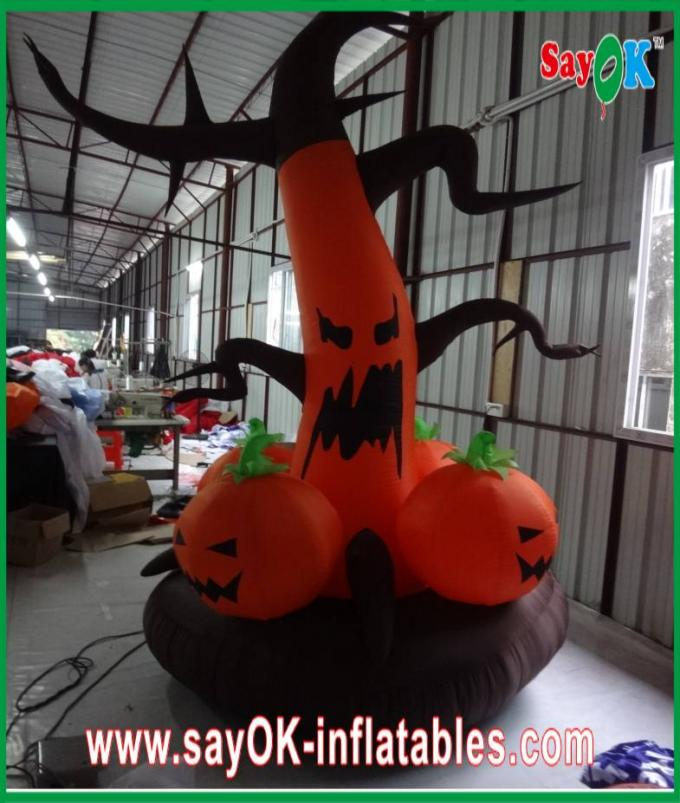 Divertido inflable de las decoraciones del día de fiesta de Gaint del partido de Halloween modificado para requisitos particulares